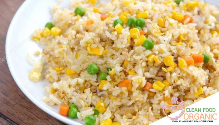 ข้าวผัดสลัดผักเพื่อสุขภาพ วิธีทำข้าวผัด วัตถุดิยบในการทำข้าวผัด อาหารเพื่อสุขภาพ อาหารอร่อย อาหารดีมีประโยชน์ อาหารสำหรับทุกวัย